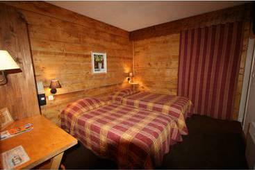 hotel auberge des moissons en matougues destinia. Black Bedroom Furniture Sets. Home Design Ideas