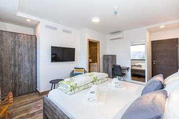 Apinelo Tower Rooms - Сплит