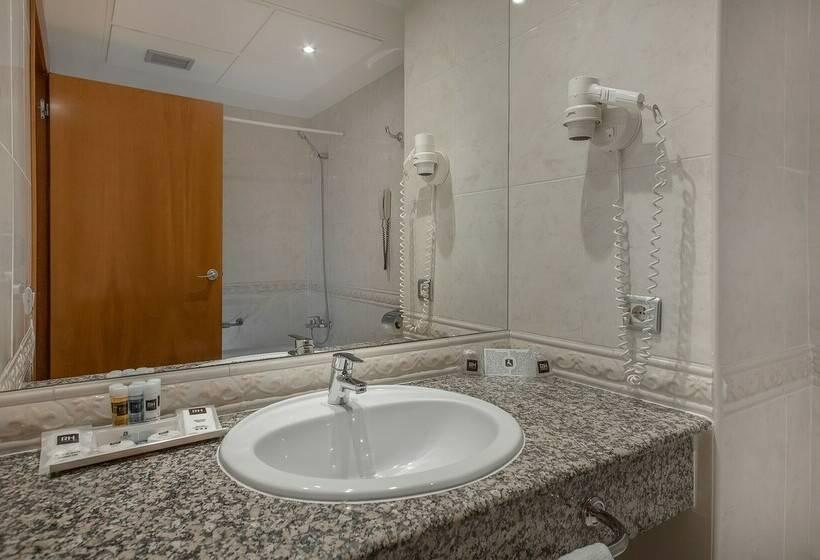 Cuarto de baño Hotel RH Princesa Benidorm