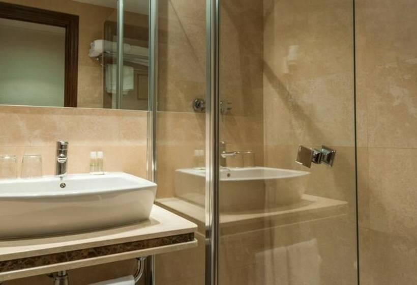 Cuarto de baño Hotel Alcantara Cáceres