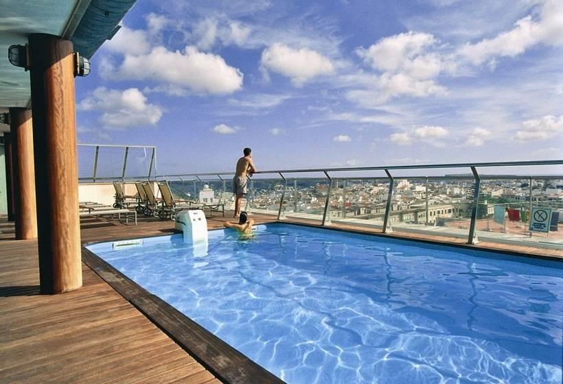 Piscina Hotel Artiem Capri  Mahón