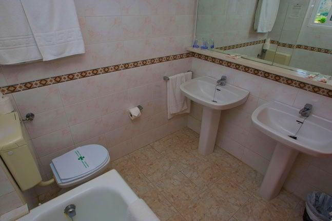 Cuarto de baño Hotel Gandia Playa Gandía