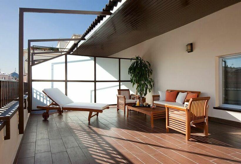Hotel nh madrid chamber en madrid destinia - Zona chamberi madrid ...
