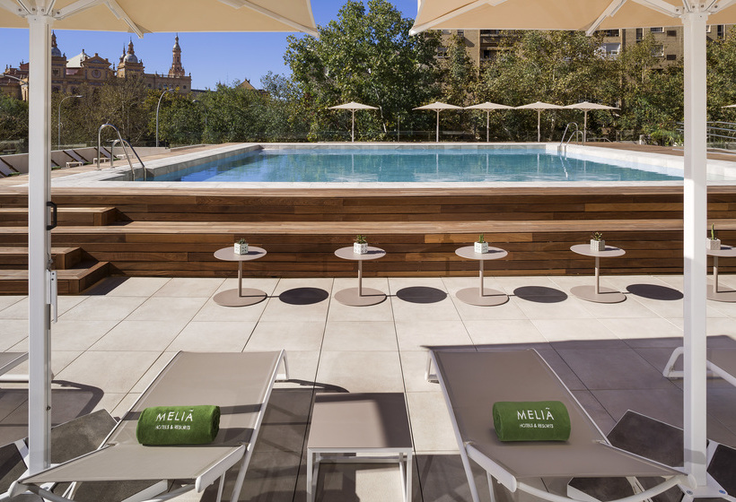 Hotel meli sevilla en sevilla desde 36 destinia for Piscina melia lebreros sevilla