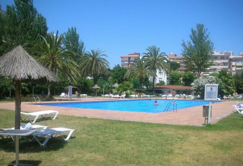 Hotel Surf Mar en Lloret de Mar desde 22 € | Destinia