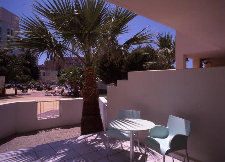 Terraza Apartamentos Fenix Beach Roquetas de Mar