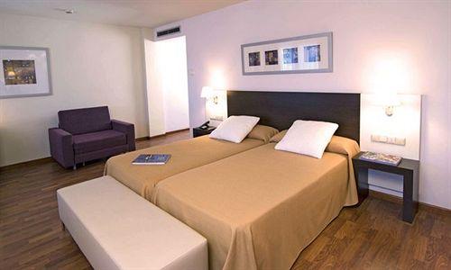 Habitación Hotel Tryp Valencia Feria