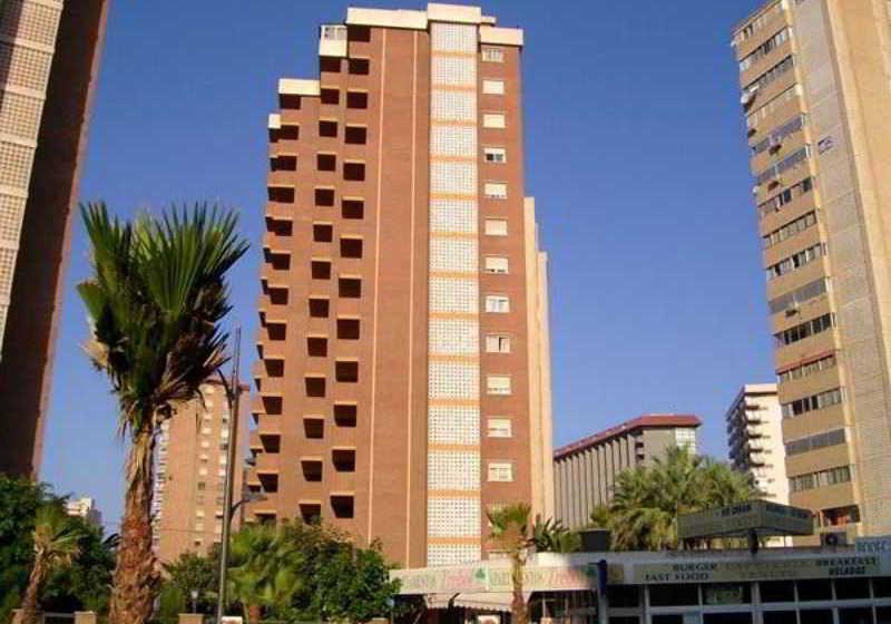 Apartamentos trebol en benidorm desde 16 destinia - Apartamentos bermudas benidorm ...