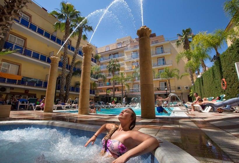 Cleopatra spa hotel en lloret de mar destinia for Hoteles en lloret de mar con piscina climatizada