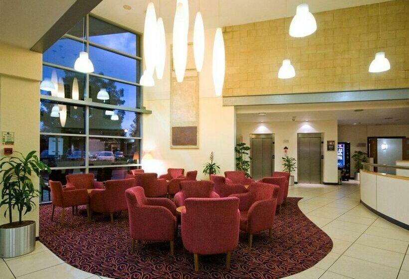 Hotel ramada london north en edgware destinia - Hotel ramada londres ...