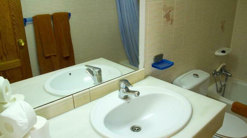 Cuarto de baño Apartamentos Carlota Puerto Rico