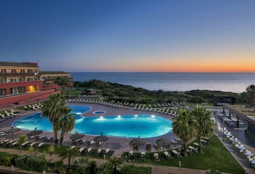 Hotel ilunion calas de conil en conil de la frontera for Hoteles en conil con piscina