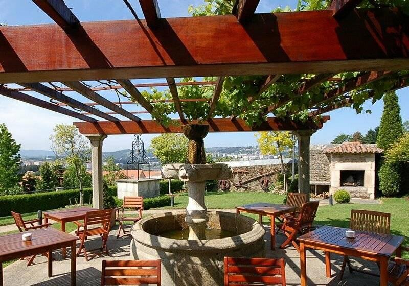 Arcea hotel y apartamentos pazo do rio en montrove destinia for Gimnasio oleiros