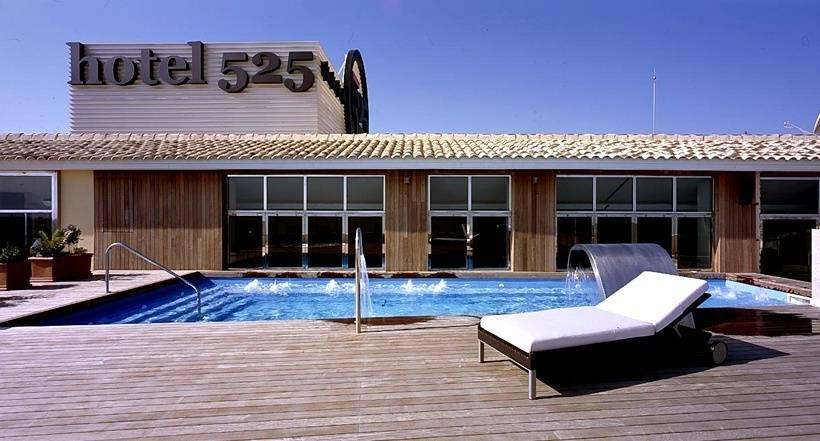 Hotel 525 en los alc zares desde 30 destinia for Piscina los alcazares