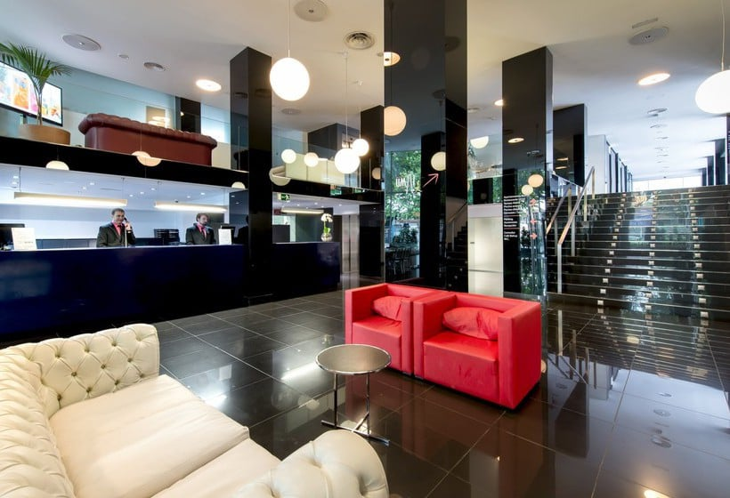 Piscina Apartamentos Torre Belroy Benidorm