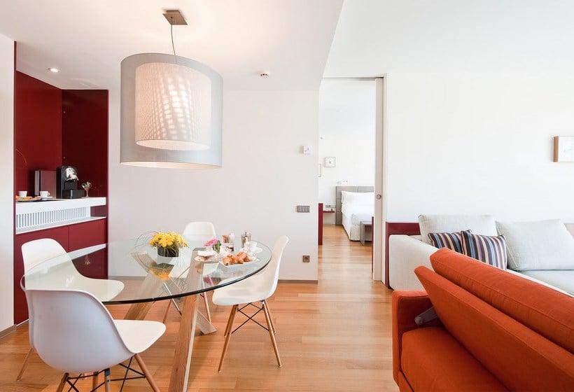 Hotel reina petronila en zaragoza desde 37 destinia for Hotel habitacion familiar zaragoza
