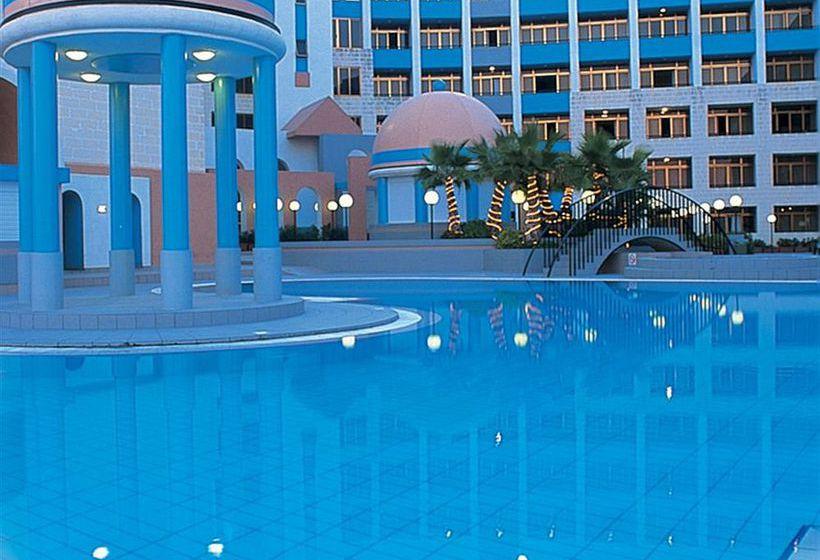 Resort the st george s park en san juli n destinia - Apartamentos baratos en malta ...