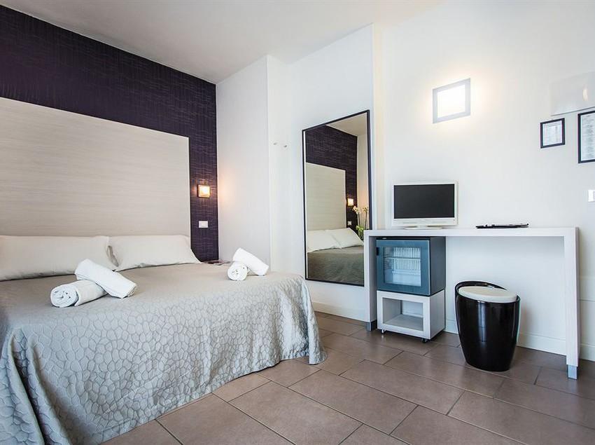 Hotel mokambo shore en cesenatico destinia - Bagno florida cesenatico ...