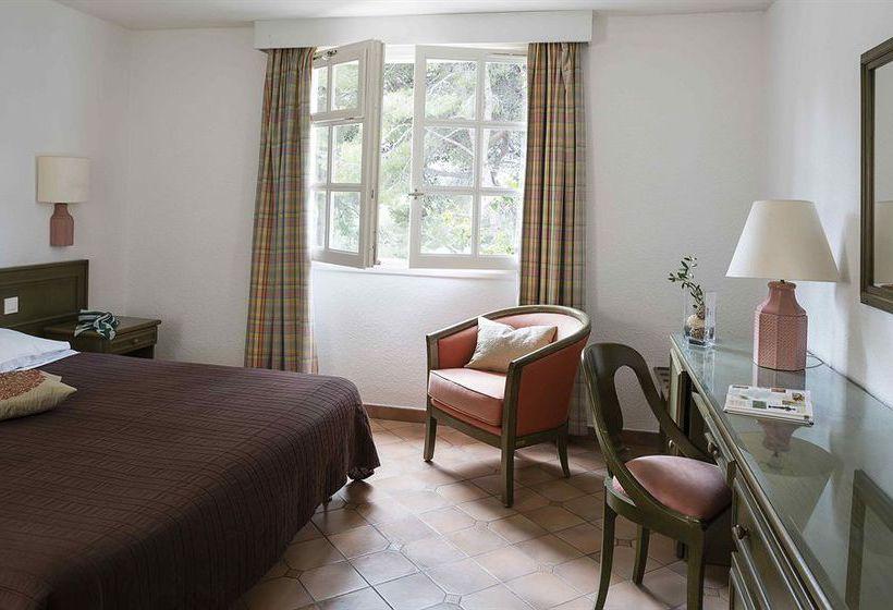 hotel le canoubi en six fours les plages destinia. Black Bedroom Furniture Sets. Home Design Ideas