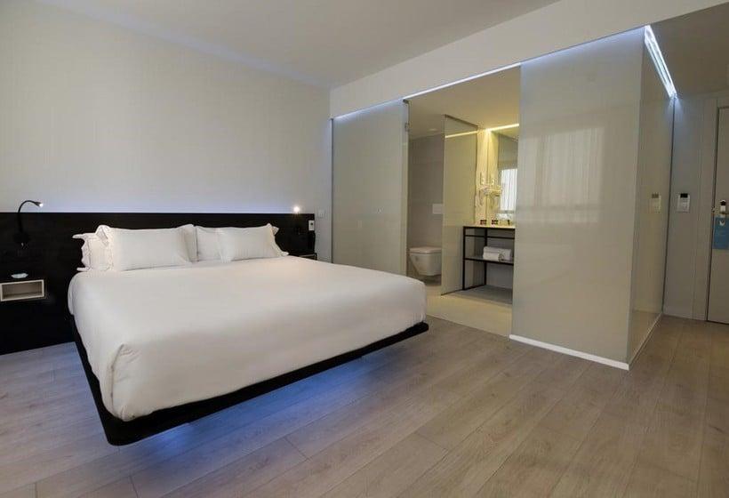 Hotel b b puerta del sol en madrid destinia for Hoteles puerta del sol baratos
